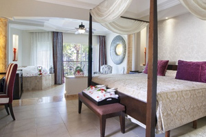 Junior suite with Jetted Tub - Hotel Majestic Elegance Punta Cana